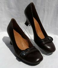 $145 NAYA DARIA Brown Leather Vintage Style Button Pumps Shoes sz US 8 8N Narrow