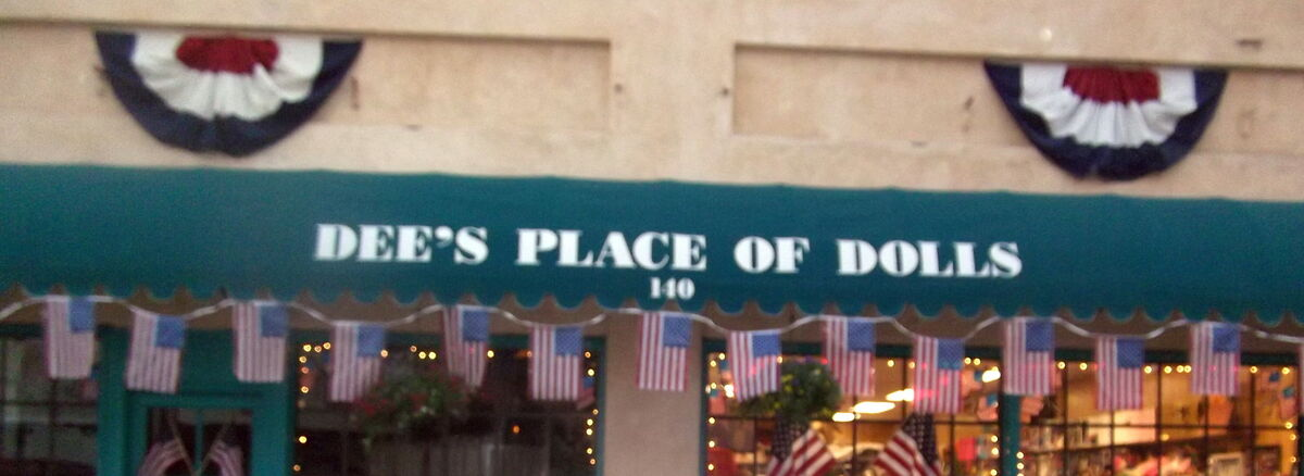Dee's Place of Dolls