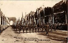 CPA MILITAIRE Fétes de la Victoire-Les Drapeaux de l'Armée Américaine (317464)