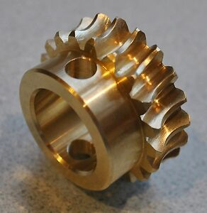 John Deere Snowblower Bronze Auger Gear AM130756  MADE IN THE USA