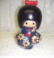 ADORABLE HANDPAINTED LITTLE WOOD JAPANESE GEISHA DOLL FIGURE W/ PARASOLS