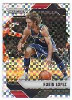 2016-17 Panini Prizm Basketball Starburst Prizm #26 Robin Lopez Bulls