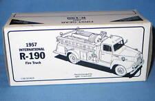 First Gear 1957 International R-190 Fire Truck 1/34 scale GULF OIL 19-1334
