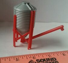 1/64 Silver/red Grain feed protein hopper Bin Ertl Farm Toy Building display