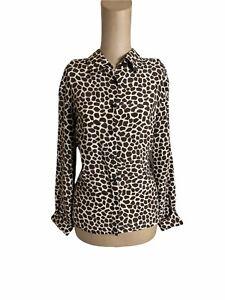 Akris Punto 100% silk giraffe print button up Size 8