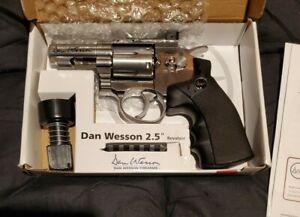 """Dan Wesson 2.5"""" Co2 BB Air Revolver - Silver"""