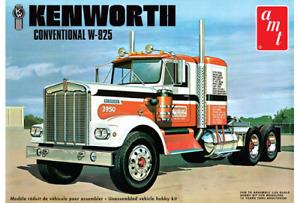 "AMT 1021 1/25 Kenworth W925 ""Moving On"" Semi Trucker"