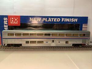 Walthers HO Scale Amtrak Superliner I Sleeper, Amtrak Phase 4B, 2nd Sleeper
