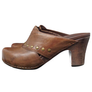 Dansko Slip On Studded Leather Mules Brown Comfort Closed Toe Sz 39 or 8-8.5.