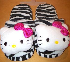 HELLO KITTY  SLIPPERS sz  M (7-8) - GIRLS - NWOB - SHO - 9