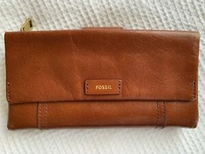 Gorgeous Classic FOSSIL  Tan Leather Ladies Purse - Excellent Condition!