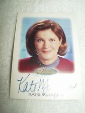Star Trek Autograph Card Women of Kate Mulgrew as Captain Janeway in Voyager