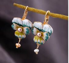 BEAUTIFUL ENAMEL WHITE FLOWER PEARL DROP EARRINGS