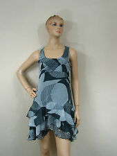 """TRES BELLE ROBE """" FORMUL """" MODELE TUN CANCAN TAILLE 38"""