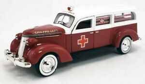 New O Scale Diecast Studebaker Ambulance for MTH & Lionel