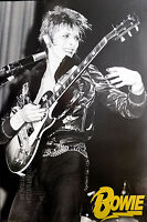 (LAMINATED) DAVID BOWIE: GUITAR POSTER (61X91CM) NEW LICENSED ART