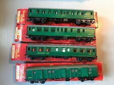 Rake of 4 Triang SR Coaches, Restaurant Utility Brake Composite 220 221 226 229