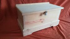 BAUL COFRE de madera con candado. XL. 80 cms. de largo.
