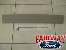 09 - 10 F150 OEM Genuine Ford Tailgate Flex Step Top Center Molding KING RANCH