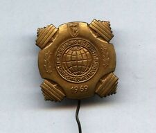 World Weightlifting Championships Warsaw 1969 pin badge Gewichtheben GOLD COLOUR