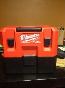 Milwaukee M12 FUEL 1.6 Gal. Cordless Wet/Dry Vacuum Kit (0960-21H)