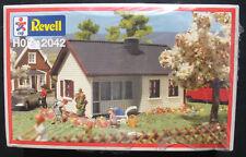 Revell 2042 - Ferienhaus Bungalow - Spur H0 - Eisenbahn Bausatz - Kit - NEU&OVP