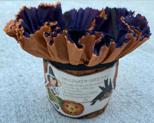 """Bethany Lowe 3.5"""" Vtg Look Halloween Greeting Treat Candy Bucket Crepe Paper"""