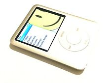Apple iPod nano 3rd Generation (4GB) - Silver