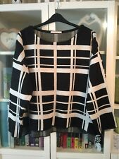 FF43 George Plus Sz 22 Monochrome Check Crop Dip Hem Jumper