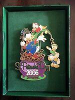 Disney St. Patrick's Day 2006 Jumbo Dangle Pin Limited Ed 500 Scrooge Mc Duck