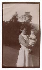 PHOTO ANCIENNE Bébé Nourrice Métier 1915 Costume Tablier Enfant Femme Robe