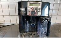 DeLonghi Magnifica ESAM 3000 Kaffeevollautomat schwarz mit Cappuccino-Funktion