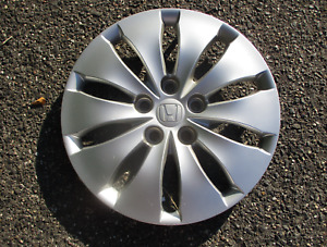 One 2008 to  2012 Honda Accord 16 inch bolt on hubcap wheel cover 44733TA5A00