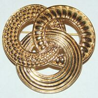 Vintage signed Monet 3 interlocking circles trinity knot patterned pin brooch