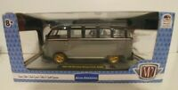 M2 Machine 1959 VW Microbus Deluxe U.S.A Model R67 Limited Edition