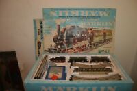 COFFRET TRAIN MARKLIN 2943 LOCO 3029  + 2 WAGONS + TRANSFO + 14 RAILS FONCTIONNE