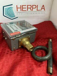 Honeywell L91B1068 Proportional Pressuretrol Controller f/Steam & Air, 10-300psi