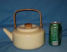 VTG Cream/Ivory Enamelware/Graniteware Tea Pot Kettle W/Wood Hanlde/Knob!