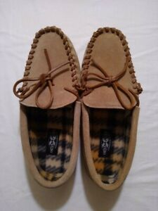 MOCCASIN SLIPPERS LADIES 8M