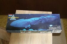 Monogram Sea Quest Dsv 1: 600 Model Kit