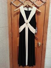 Jessica Howard Evenings Black and White Accent Formal Dress Size 16