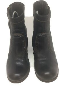 Clarks Hand Crafted women's Black Leather Ankle Boots Size 4(L17).