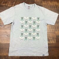 UT Uniqlo Gray Geese Turtle Short Sleeve Graphic Tee size L Men's T-Shirt Crew