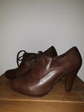 Clarks Ladies Brown Leather Shoes / boots heeled tie up UK 6 oliver twist