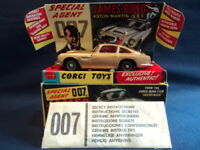 Corgi 1960's 007 James Bond Aston Martin DB5 No: 261 N/MINT Ex Shop Stock