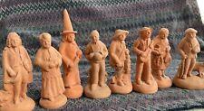 Lot de 8 anciens santons Bourges Saint Remy sculptés en argile crue