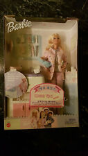 BARBIE - HAPPY FAMILY - BABY DOCTOR BARBIE - MATTEL 2002 #56726 - NRFB