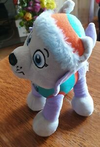 """Paw Patrol Plush - Everest. Nickelodeon Play By Play. Spinmaster 2017. 10""""/25cm."""