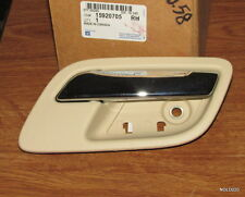 NEW Interior Door Handle Front/Rear-Right GM 15920705 CASHMERE/CHROME (DS1396B2)