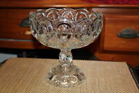 Vintage LE Smith Moon & Stars Footed Clear Glass Fruit Bowl Large Scalloped Top